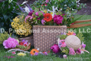 8340S-Flower Basket and Straw Hat
