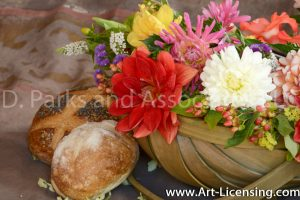 8961-Dahlia Bouquet and Breads